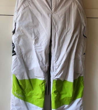 86 – Pantalon pour provinciaux