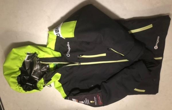 107 – Manteau et pantalon Acrobatique 12 ans à vendre